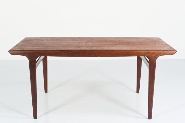 Johannes Andersen dining table for Uldum Møbelfabrik, 1960s