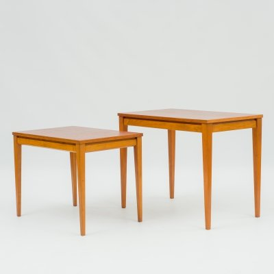 Set of two mid-century nesting tables in teak, 1960s