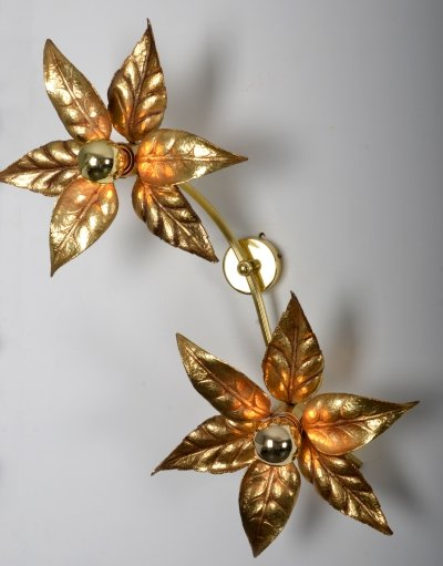 Willy Daro double wall sconce in brass by Massive