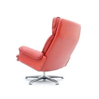 Norwegian Swivel Lounge Chair in red Leather, 1970s