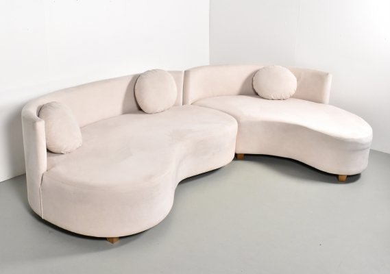 Big curved banana element sofa in creme alcantara fabric, 1990s