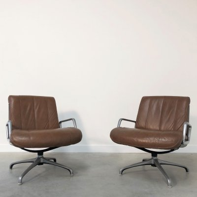 Pair of vintage lounge chairs by Saporiti, Italy 1970s