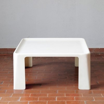 White polyester coffee table by Mario Bellini for C&B Italia, 1970's