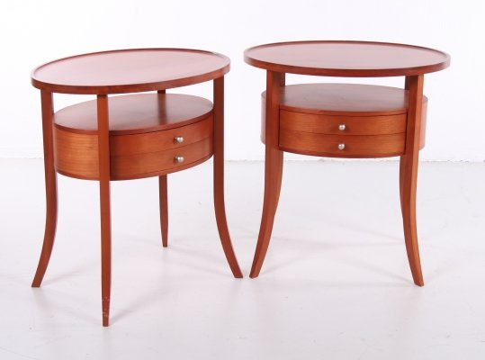 Italian set of oval bedside tables in cherry wood