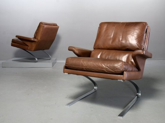 COR Swing Lounge Chair with leather cushion & steel frame