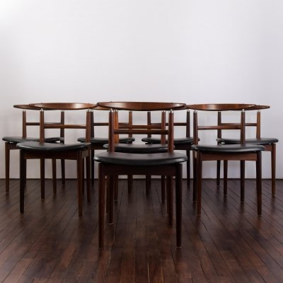 Set of 8 Sibast dining chairs model 465 in rosewood & black leather
