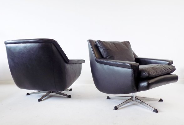 ESA 802 set of 2 black leather armchairs by Werner Langenfeld