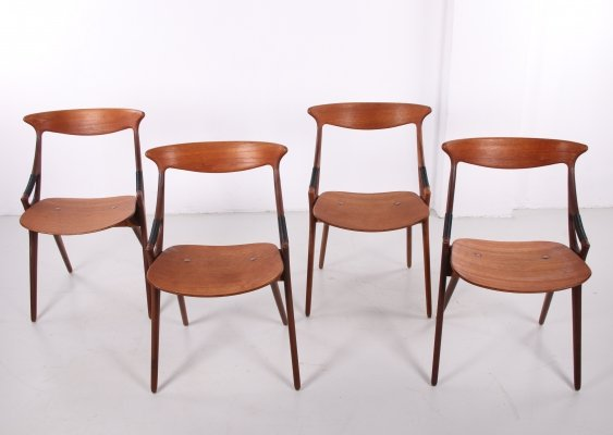 Set of 4 teak chairs model 17 by Arne Hovmand Olsen for Mogens Kold, 1950s