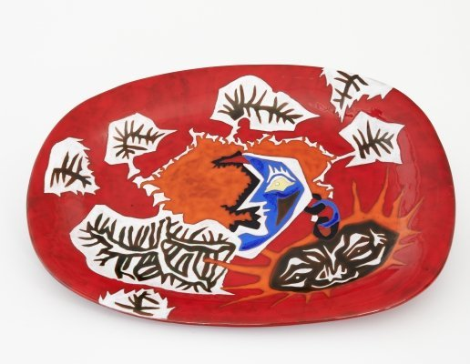 Mid-century red glazed ceramic dish by Jean Lurçat for Sant Vicens, marked 1/50