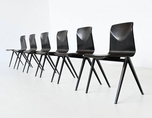 Elmar Flototto model S22 black stacking chairs by Pagholz, Germany 1970