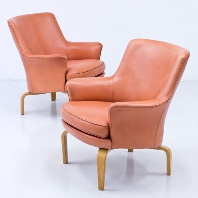 Pair of 'Pilot' Leather Armchairs by Arne Norell, Sweden