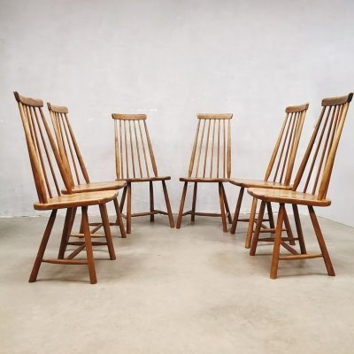 Vintage Dutch design spindle back dining chairs by Pastoe, 1960s