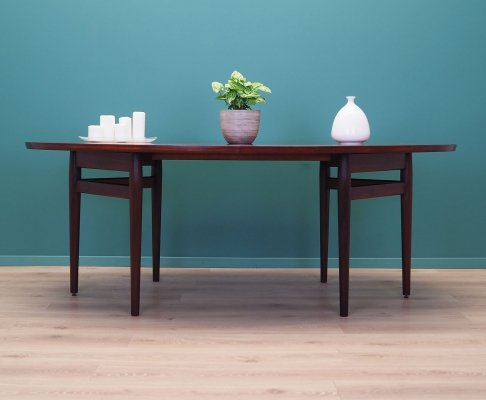 Oval rosewood No. 212 table by Arne Vodder for Sibast, 1950s