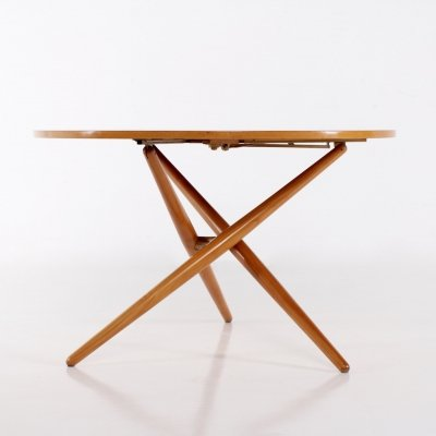 Jürg Bally for Wohnhilfe Maple tripod table with adjustment system (High-Low)