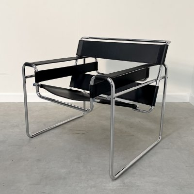 Vintage Marcel Breuer 'Wassily' chair by Knoll Studio, 1990s