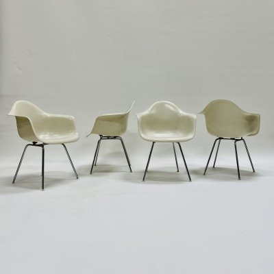 Set of 4 DAX dining chairs by Charles & Ray Eames for Herman Miller, USA 1950s