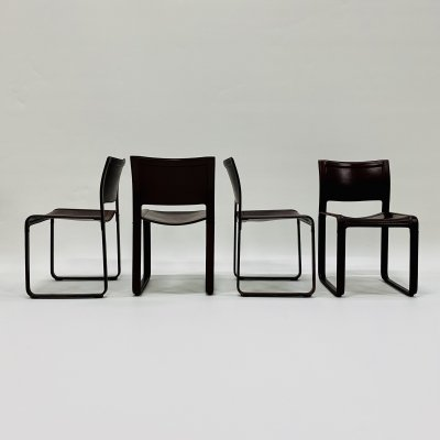 Set of 4 Burgundy leather 'Sistina Strap' chairs by Tito Agnoli for Matteo Grassi, Italy 1980s