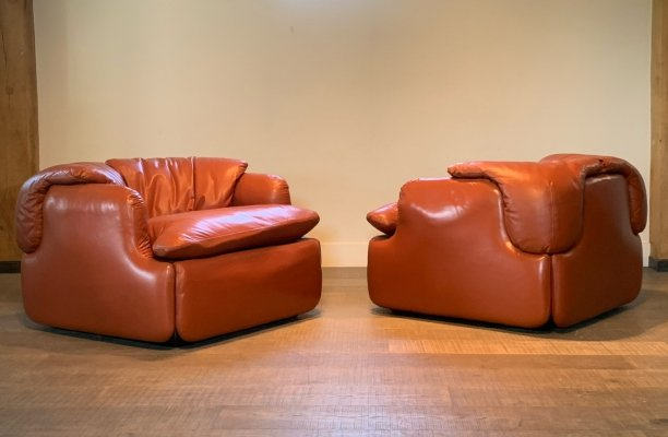 Pair of 'Confidential' armchairs by Alberto Rosselli for Saporiti, 1970s