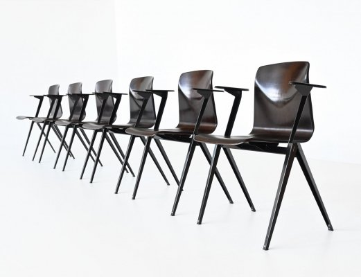 Elmar Flototto model S22 stacking chairs with arms by Pagholz, Germany 1970