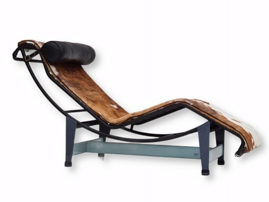 Cowskin LC4 Chaise Longue by Le Corbusier & Pierre Jeanneret for Cassina, 1980s