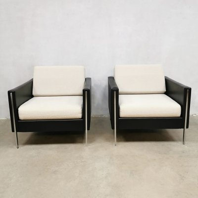 Pair of model 442 arm chairs by Pierre Paulin for Artifort, 1960s