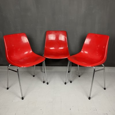 Set of 3 Mid-century red plastic chairs by Grosfillex, France 1980s