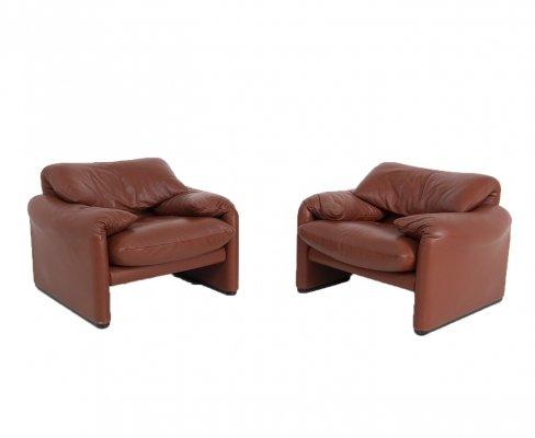 Pair of Maralunga Armchairs by Vico Magistretti for Cassina