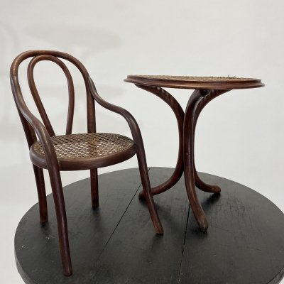 Thonet toys chair & table no.1