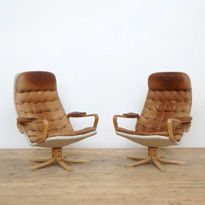 Set of two Bruno Mathsson leather easy chairs for Dux