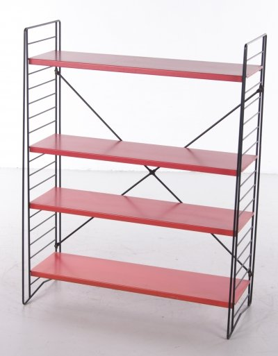 Standing Tomado Bookshelf in red with black uprights