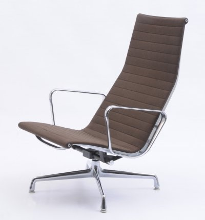 Lounge chair by Charles & Ray Eames for Vitra, 1960s