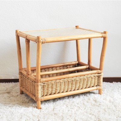 Vintage rotan side table for magazines