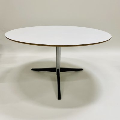Round dining table 'te06' by Martin Visser for 't Spectrum, Netherlands 1970s