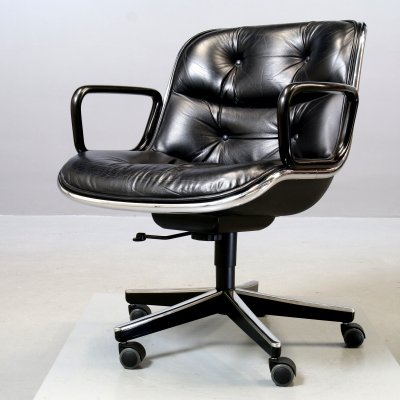 Charles Pollock for Knoll Executive Chair with casters