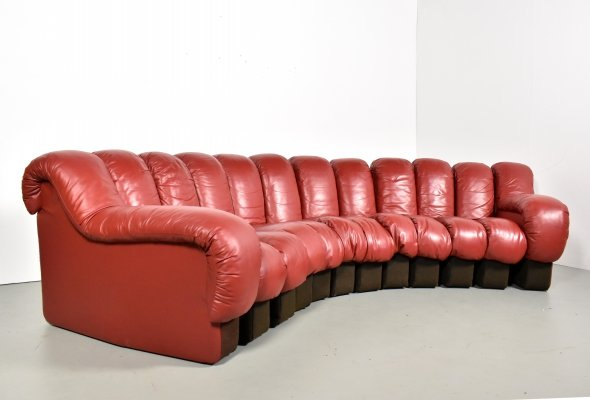 De Sede DS600 Snake sofa in burgundy red leather by Ueli Berger, 1980s