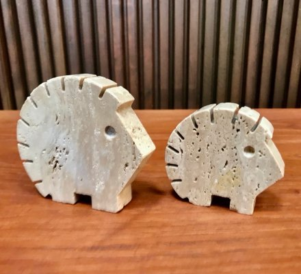 Pair of Italian Travertine Hedgehog Table Sculptures by Fratelli Mannelli, 1970s
