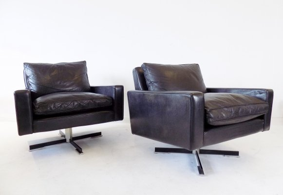 Set of 2 black leather armchairs by Wolfgang Röhl Potsdam