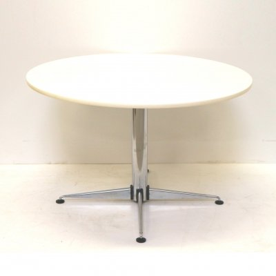 Round vintage white dining table from Brabantia, 1970s