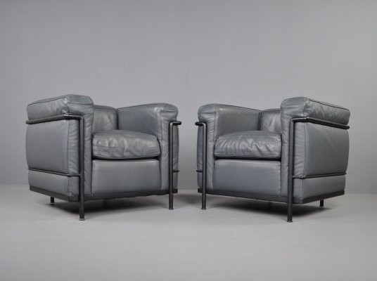 Cassina LC2 armchairs in grey leather by Le Corbusier, Jeanneret & Perriand, 1990s