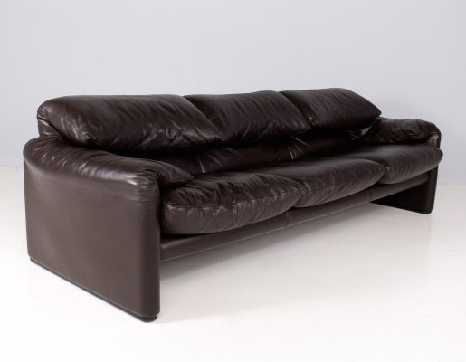 Brown leather 3-seater 'Maralunga' sofa by Vico Magistretti for Cassina, 1970's