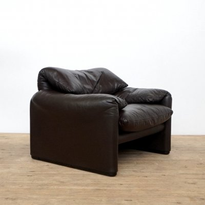 Leather Maralunga Lounge Chair by Vico Magistretti