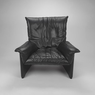 Postmodern Design Lounge Chair by Vico Magistretti for Cassina,