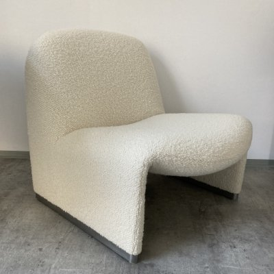 Alky chair by G. Piretti in white bouclé, 1960s