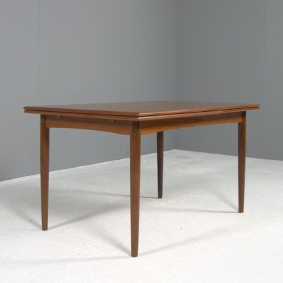 Large extendable (6 to 10 people) teak dining table by AM Møbler, Denmark 1960s