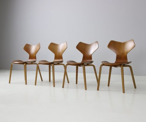 Set of 4 early Grand Prix chairs by Arne Jacobsen for Fritz Hansen, 1959-1963