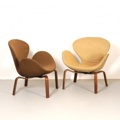 Set of 2 Swan FH 4325 chairs by Arne Jacobsen for Fritz Hansen
