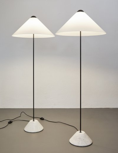Pair of Snow floor lamps by Vico Magistretti for Oluce, 1973