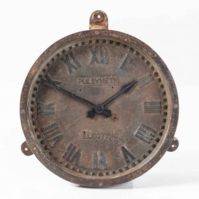 Cast Iron Gents of Leicester Wall Clock