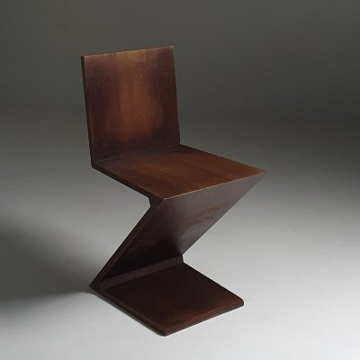 Early edition Gerrit Rietveld Zig Zag chair by Cassina - I Maestri Collection edition