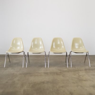 Set of 4 Eames DSS chairs